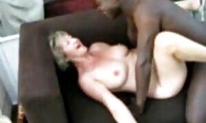 Lumoutunut iso musta pornovilmit kukko opiskelijalle,