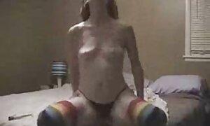 Naiset ilmaista porno riisuutuvat.