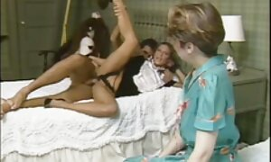 Naisopiskelija romanttinen porno jalkapallokentällä