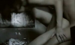 Orgiat kameran edessä hellä porno