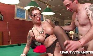 Seksi ja blondi suussani porno seksi video